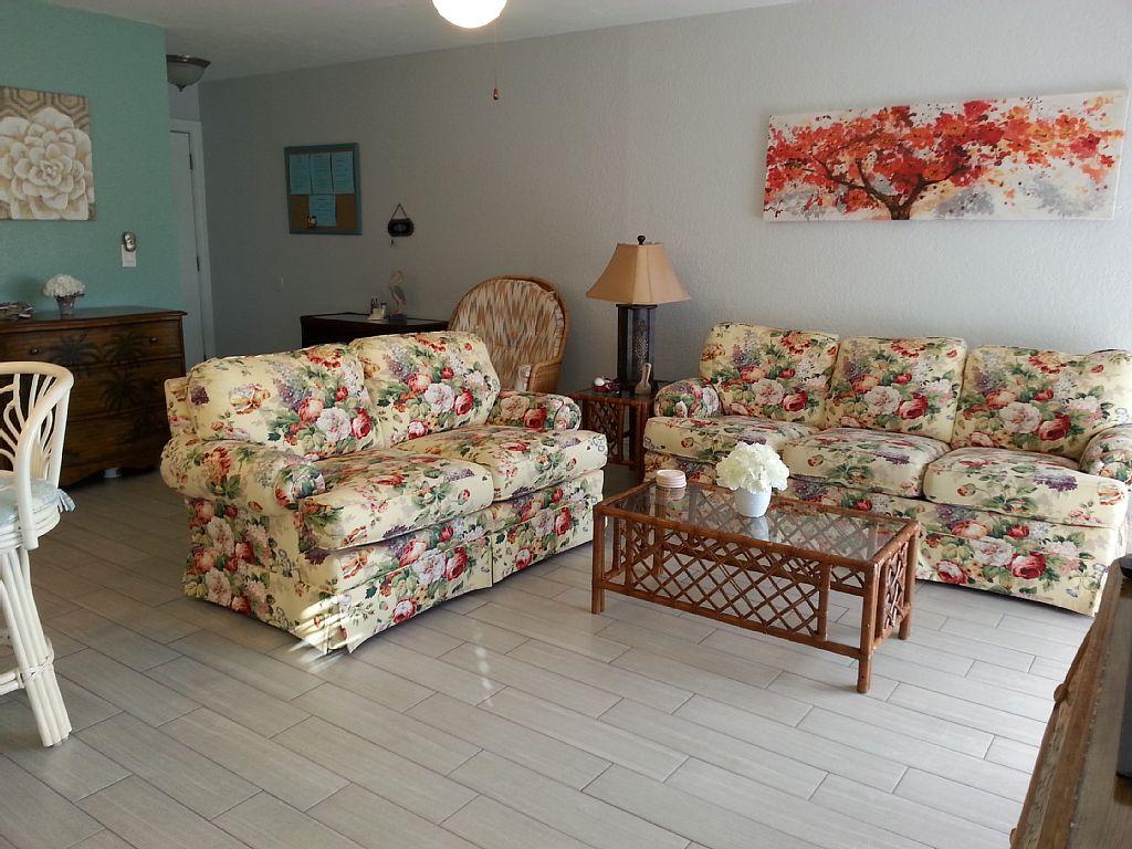 livingroom3 Sienna Park 1br 1ba vacation rental