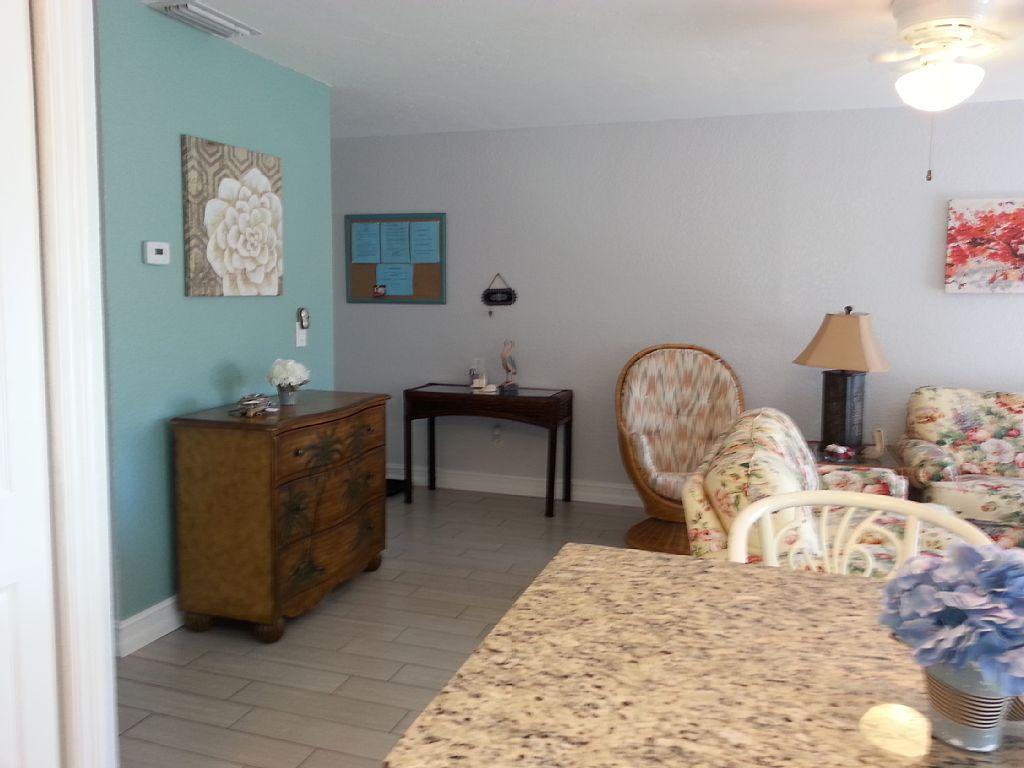 livingroom4 Sienna Park 1br 1ba vacation rental