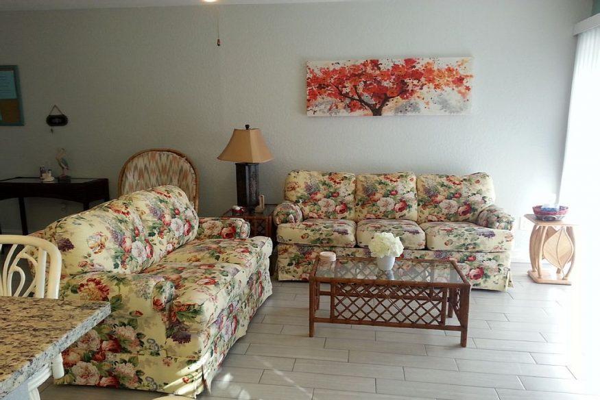 livingroom1 Sienna Park 1br 1ba vacation rental